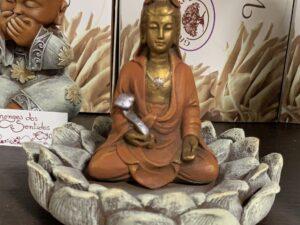 Kuan Yin em Flor Lotus